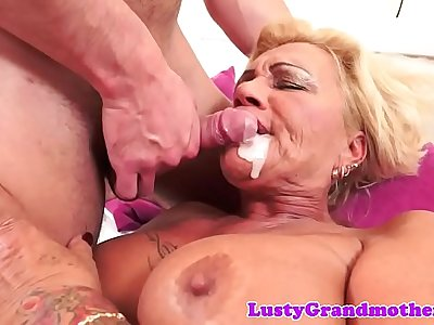 Tattooed gilf fucked with love