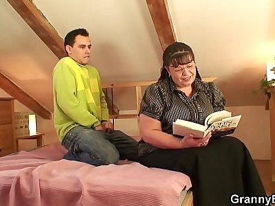 Big-titted bookworm bitch picked up for play