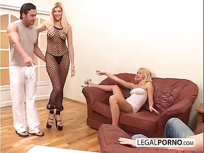2 sexy blondes and 2 big cocks enjoying a foursome MG-1-02