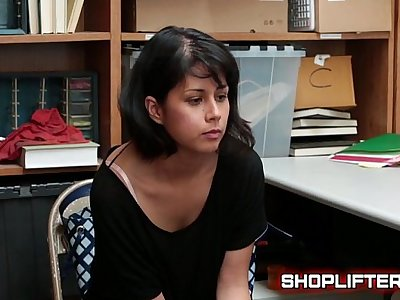 Shoplyfter Penelope Reed Blackmailed By Officer